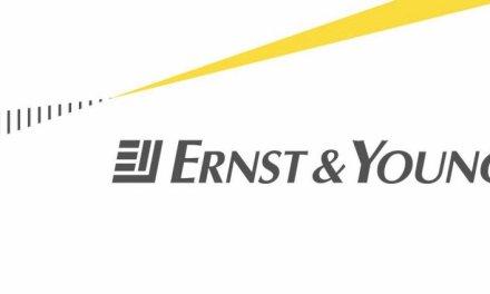 Ernst & Young reta a startups de blockchain a participar en su programa de desarrollo