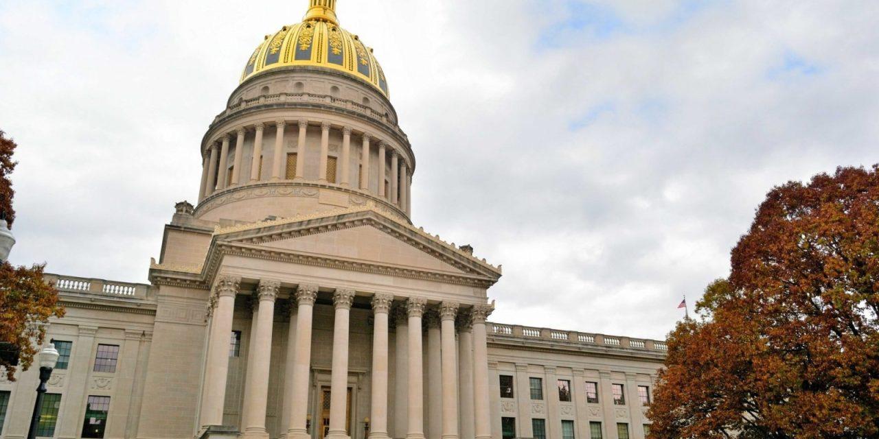 Virginia Occidental define a las criptomonedas en ley contra lavado de dinero