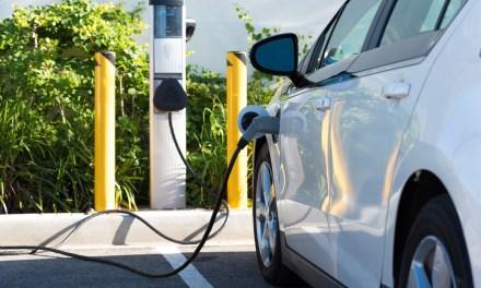 Pagos por recarga de energía de autos eléctricos podrán realizarse con blockchain