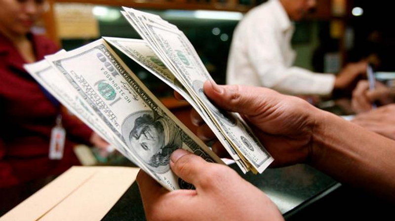 Otra casa de cambio más: OkCoin suspende depósitos en dolares