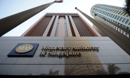 Banco Central de Singapur advierte riesgos sobre ofertas con criptoactivos