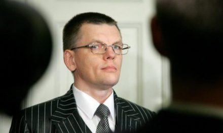 Ex-Primer Ministro de Letonia califica a OneCoin como estafa