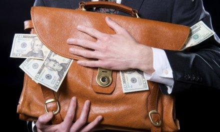 Presidente de la Fundación Tezos es acusado de desviar fondos de ICO en beneficio personal