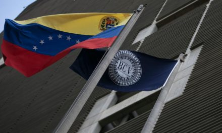 Estado venezolano considera usar criptomonedas para mejorar sistema de divisas