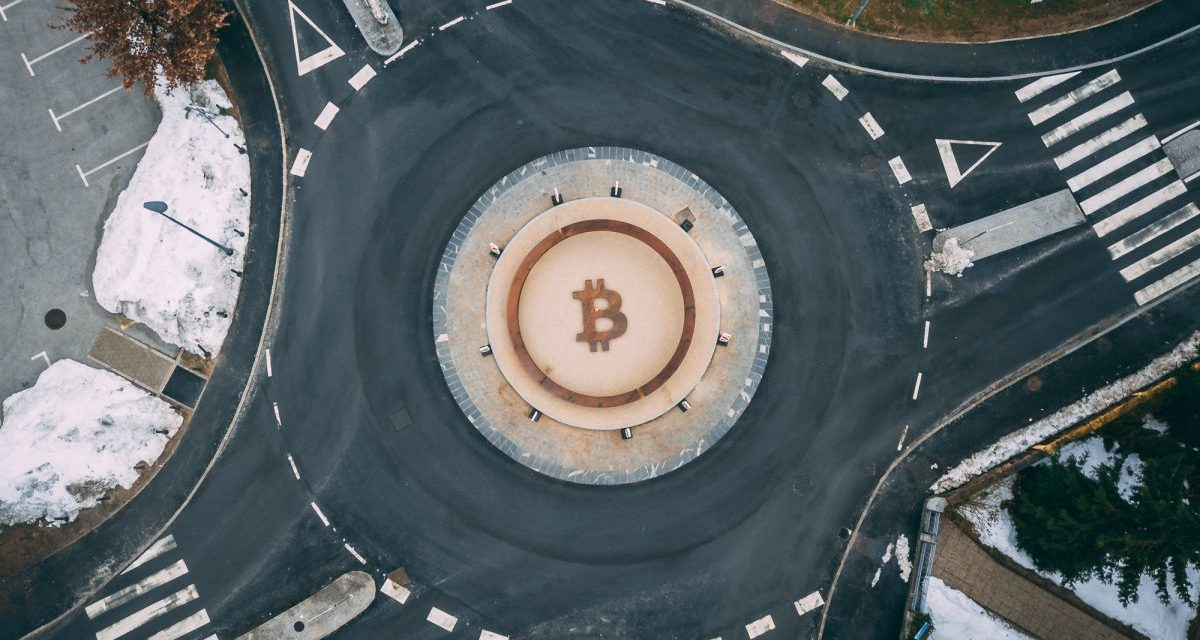 Eslovenia erige el primer monumento público a la descentralización y Bitcoin