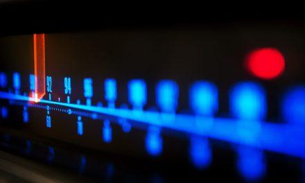 Agencia estatal de Francia se asocia con una startup para administrar frecuencias de radio con blockchain