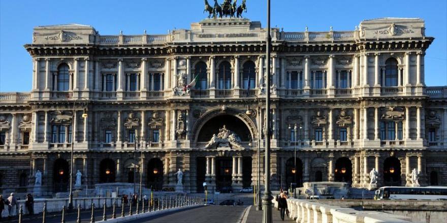 Justicia Administrativa de Italia suspende multa a OneCoin pero mantiene veto a sus actividades