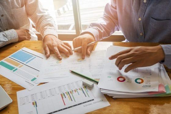 Exámenes para certificación de analistas financieros incluirán tópicos de blockchain y criptomonedas