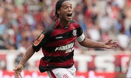 """Ronaldinho propone """"construir"""" estadios digitales a partir de la tecnología blockchain"""