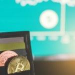 Estudio de ING: un tercio de los españoles planea adquirir criptomonedas en un futuro