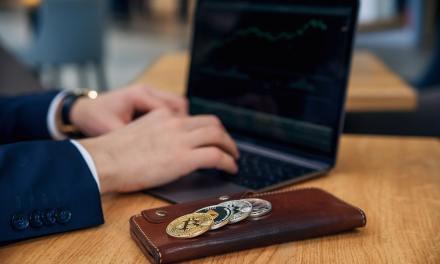 Empresa del fundador de Twitter ganó $71 millones con operaciones de bitcoins