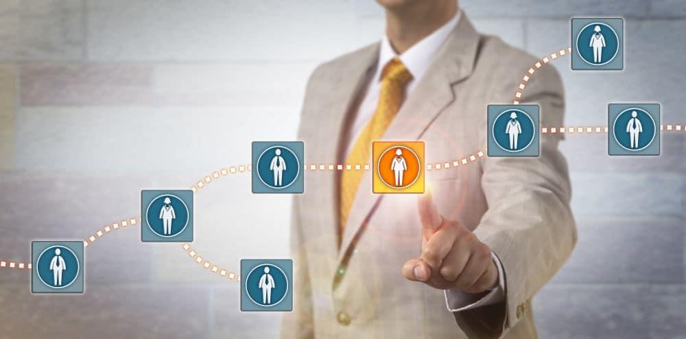 Conoce las profesiones con más demanda en el sector de la tecnología de criptoactivos