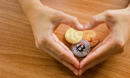 10 artículos para regalar en San Valentín con bitcoin y otras criptomonedas