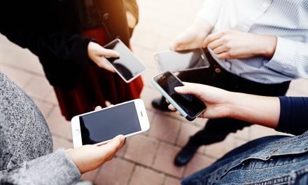 Bajan precios de recargas a celulares con criptomonedas ante crisis en Venezuela