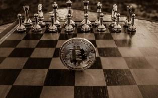 9 diferencias de invertir en acciones y criptomonedas