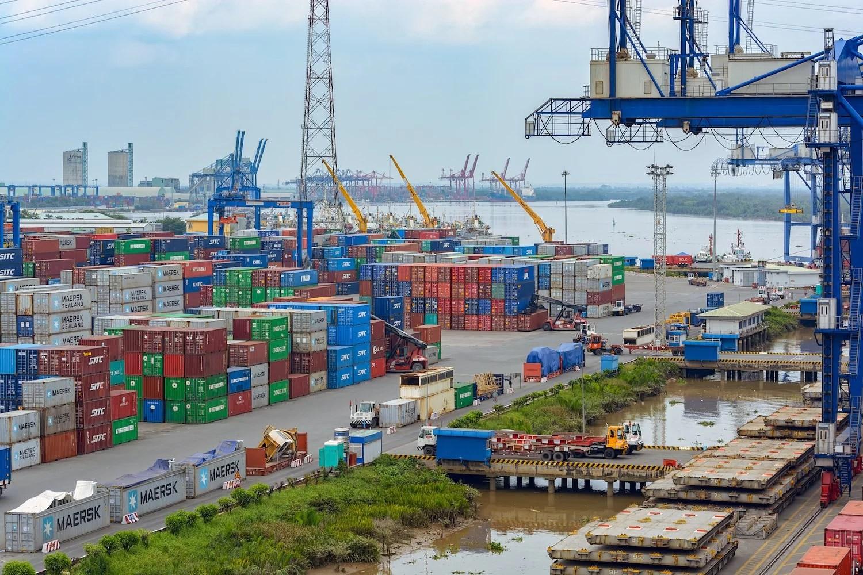 Vietnam suspende importaciones de equipos para minería de criptomonedas
