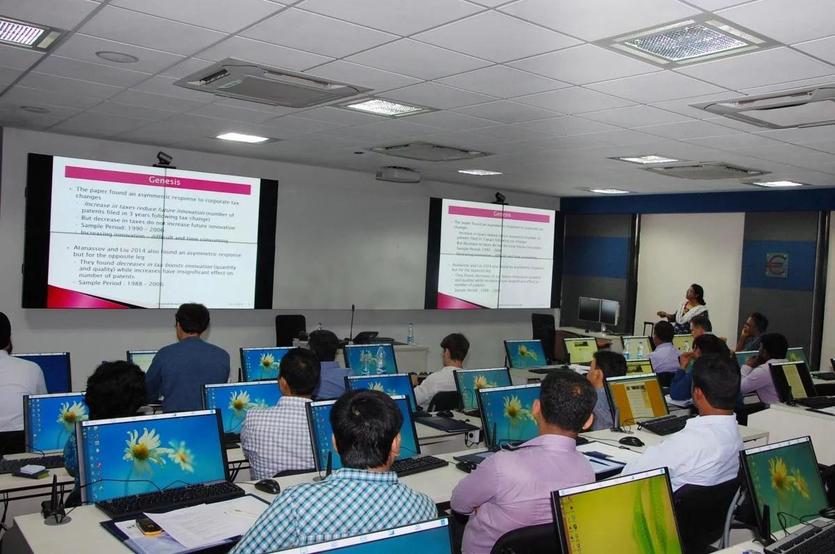 En la India lanzan programa académico avanzado de FinTech y blockhain