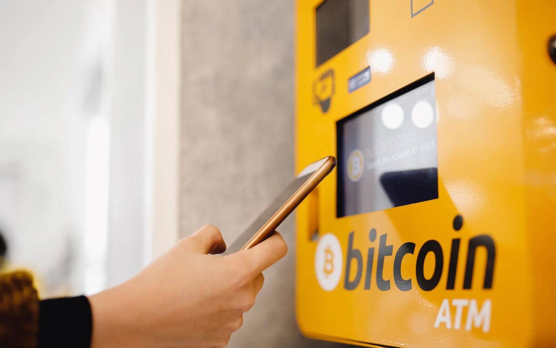 La policia española denuncia que los ATM de Bitcoin muestran un vacío en las leyes anti lavado de dinero