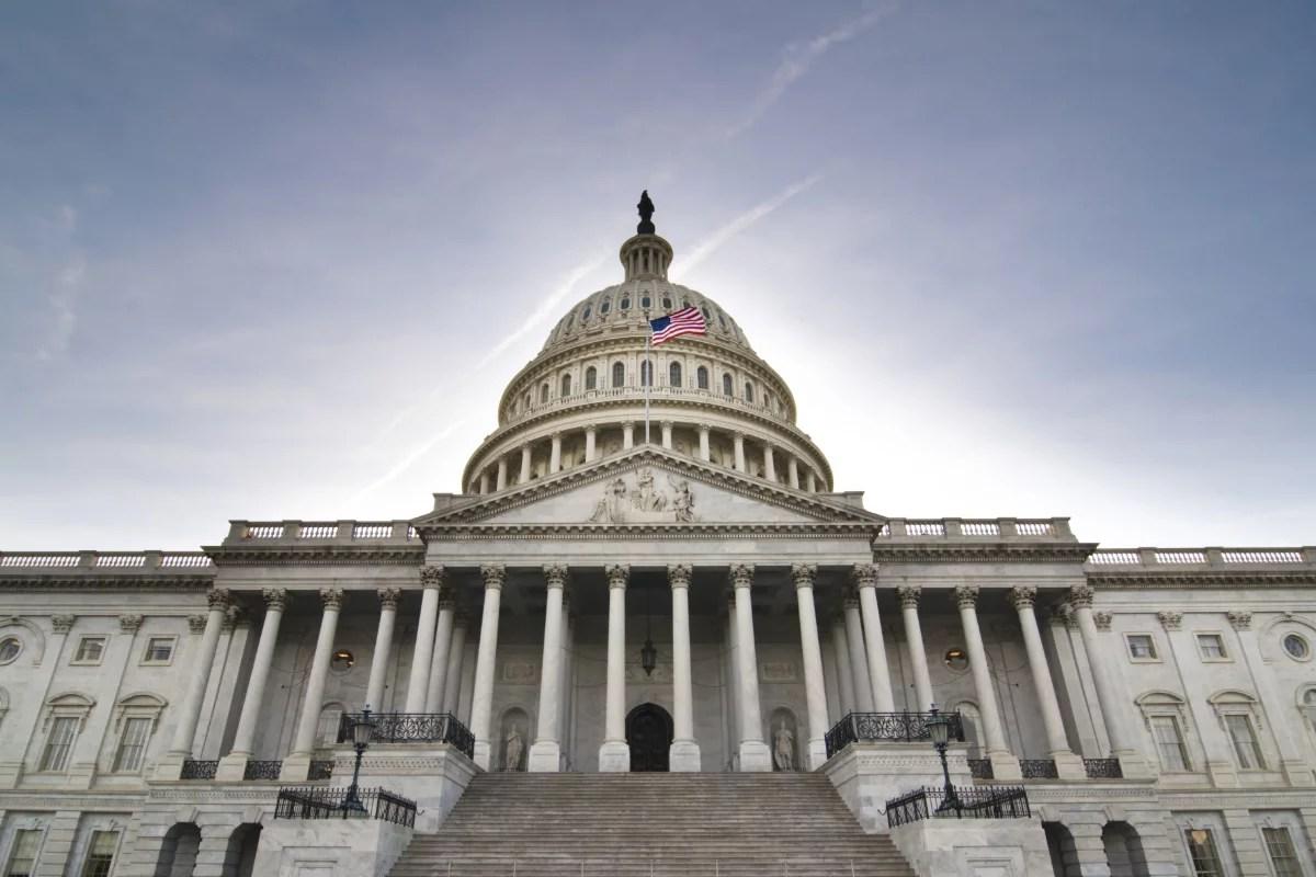Presidente Ejecutivo y CEO de Ripple envían una carta abierta al Congreso estadounidense pidiendo claridad regulatoria