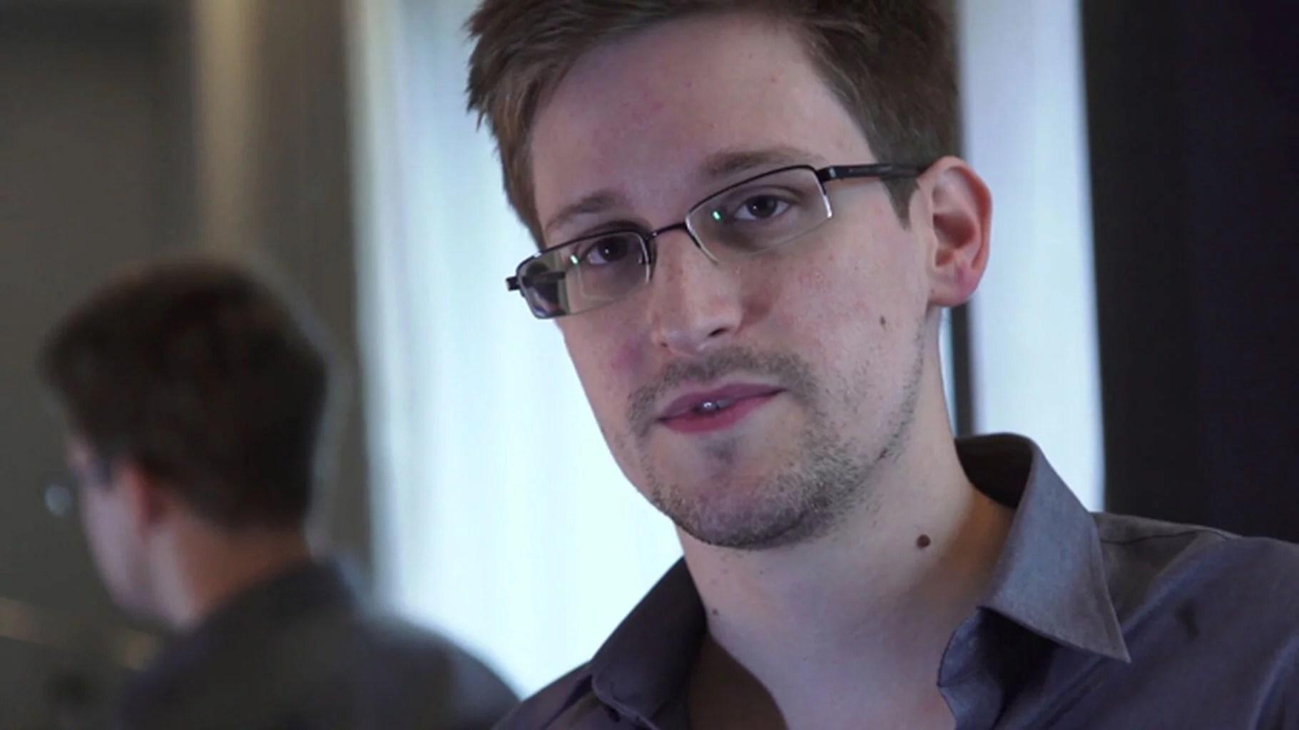 """Edward Snowden: """"Es bueno para el bitcoin"""" en referencia a la demanda del gobierno estadounidense"""