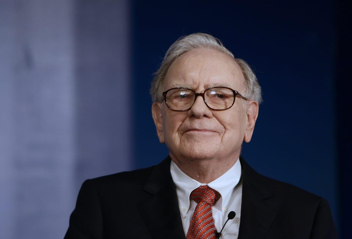 """Warren Buffett: """"No poseo ninguna criptomoneda y nunca lo haré"""""""