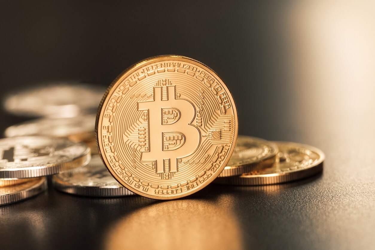 Analistas de JP Morgan informan que inversores institucionales ven al Bitcoin como una alternativa al oro