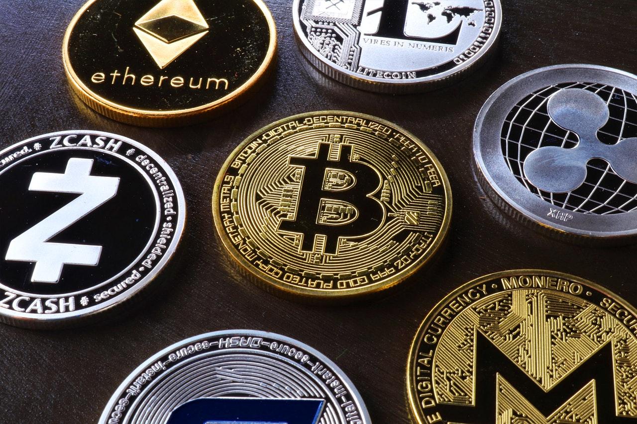 CEO de HSBC afirma que el banco no tiene planes de ofrecer servicios vinculados a Bitcoin y otras criptomonedas, señalando problemas con su volatilidad