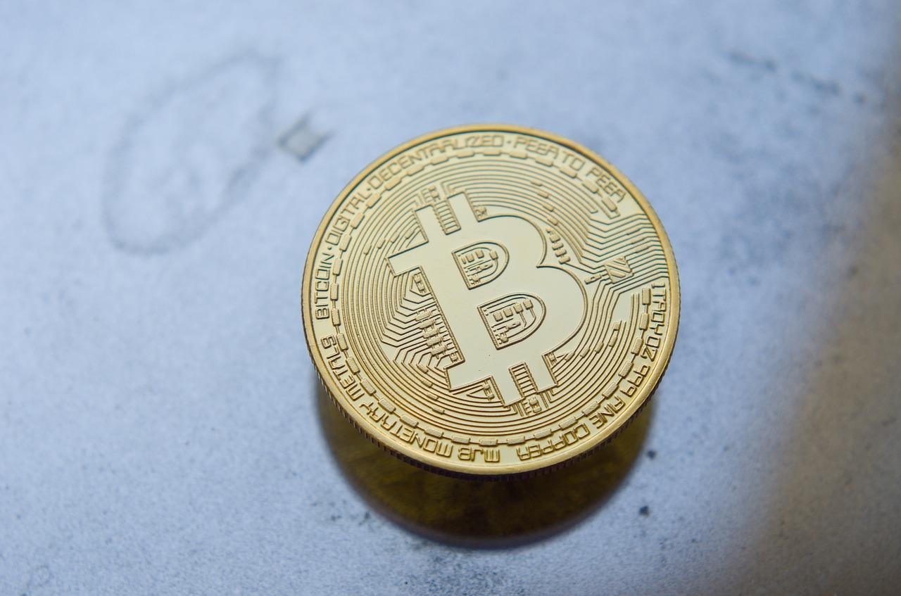 Banco Mundial no brindará asistencia técnica a El Salvador en la implementación de la Ley Bitcoin, señalando problemas ambientales y de transparencia tras la criptomoneda