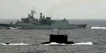 Σειρήνες στο Αιγαίο: Στρατιωτικό συμβούλιο στο ΓΕΕΘΑ, ΚΥΣΕΑ στο Μαξίμου 24