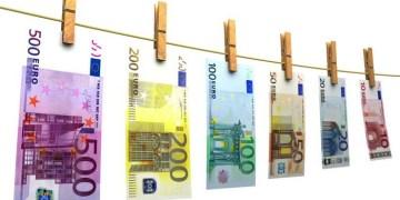 Λεφτά υπάρχουν...στα στρώματα και στο εξωτερικό 1