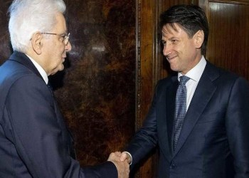 The handout photo provided by the Quirinal Press Office shows Italy?s premier designate Giuseppe Conte (R) meeting with President Sergio Mattarella at the Quirinal Palace in Rome, Italy, 23 May 2018. ANSA/ QUIRINAL PRESS OFFICE - PAOLO GIANDOTTI +++ ANSA PROVIDES ACCESS TO THIS HANDOUT PHOTO TO BE USED SOLELY TO ILLUSTRATE NEWS REPORTING OR COMMENTARY ON THE FACTS OR EVENTS DEPICTED IN THIS IMAGE; NO ARCHIVING; NO LICENSING +++