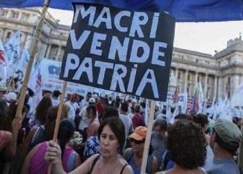 Fitch και S&P τσακίζουν την Αργεντινή, φοβούνται εκδίωξη του ΔΝΤ 30