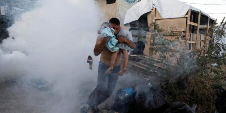 Φωτιά στο ΚΥΤ της Μόριας: Νεκρό ένα παιδί! 24