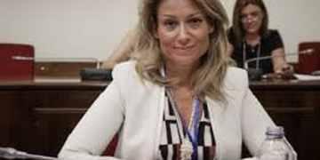 Η πρόεδρος της Επιτροπής Κεφαλαιαγοράς, Βασιλική Λαζαράκου