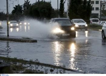 Iσχυρές βροχές και καταιγίδες την Τρίτη 27