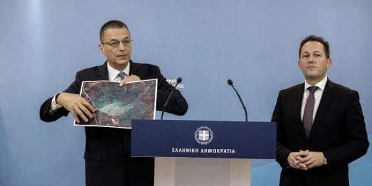 Ο υφυπουργός Άμυνας Αλκιβιάδης Στεφανής και ο κυβερνητικός εκπρόσωπος Στέλιος Πέτσας