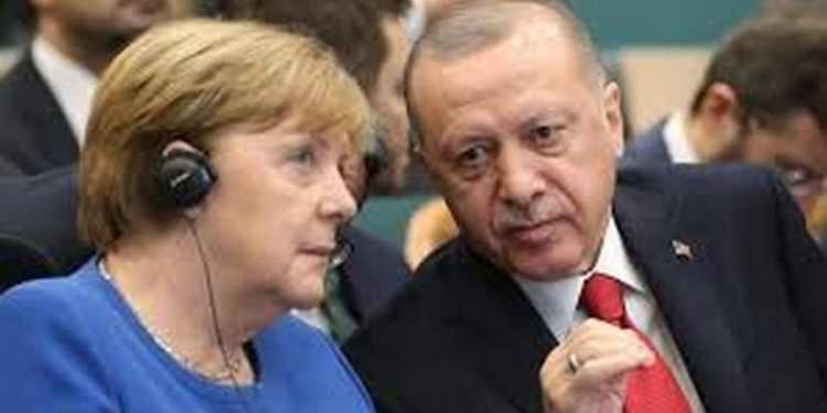 Ο Ερντογάν ζήτησε από τη Μέρκελ νέα συμφωνία για το προσφυγικό 24