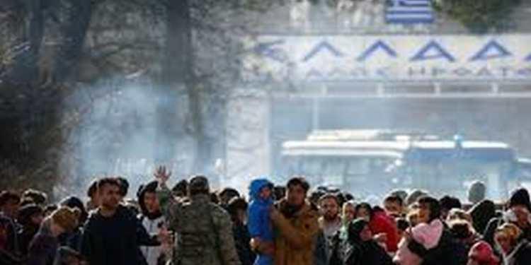 Ανάφλεξη με το προσφυγικό: Επεισόδια στον Έβρο, εξέγερση στο ΚΥΤ της Μόριας 23