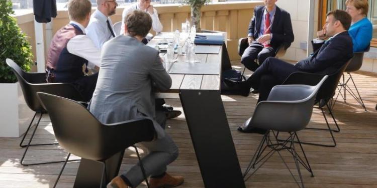 Double deal στις Βρυξέλλες: Πάνω από 90 ώρες οι διαπραγματεύσεις 22