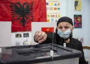 Αλβανία: Εκλογές με βία. Προβάδισμα στον Ράμα δίνουν τα exit polls