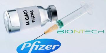 Η Pfizer επιταχύνει τις παραδόσεις. Η ΕΕ αγοράζει ακόμα 100 εκατ. δόσεις