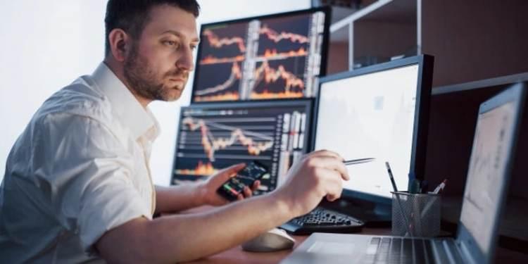 Trader, broker, stockmartket, charts, χρηματιστήριο, ομόλογα