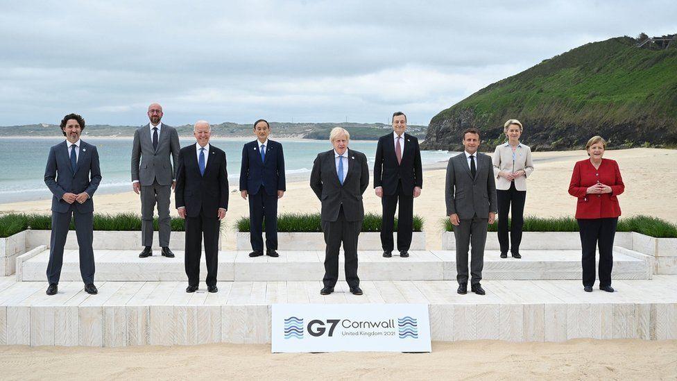 Οικογενειακή φωτογραφία των G7 στην Κορνουάλη