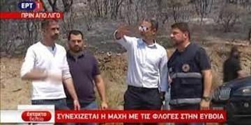Ο Κυριάκος Μητσοτάκης στα καμένα στην Εύβοια