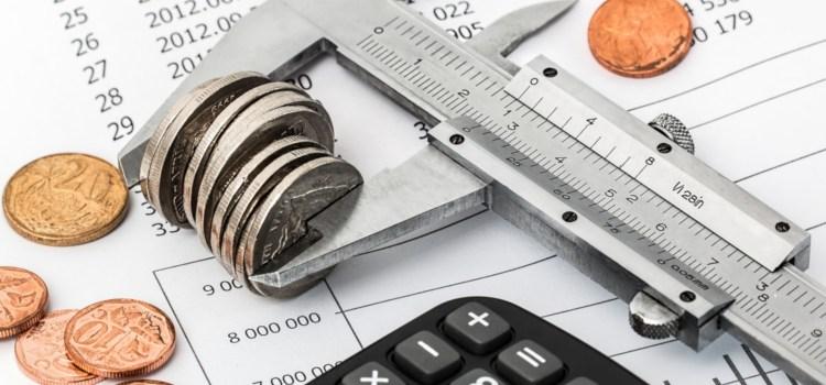 Ce taxe plătești pentru un salariu de 2100 de lei luat în mână (net)