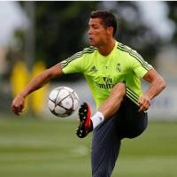 Ronaldo 'Prefers Move to Chelsea' Over Man United