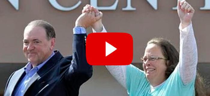 VIDEO: Kim Davis da gloria a Dios al salir de la Carcel