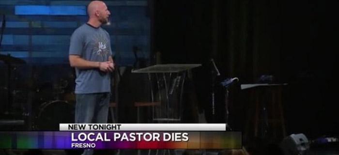 Jóven Pastor fallece en el púlpito, luego de predicar
