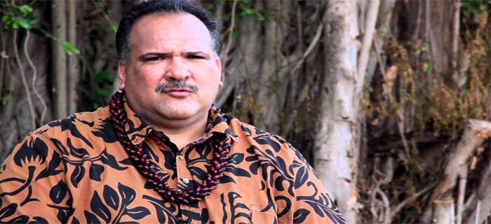 Alcalde de Hawái dice que ha nacido nuevo en Cristo