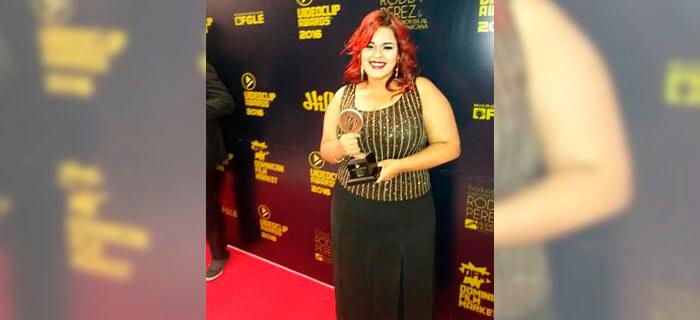 La adoradora Rose, reconocida en los premios videoclip awards 2016